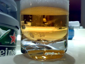 Bierglas Heineken + Partyfaß