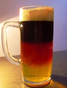 Bierglas Schwarz Rot Gold