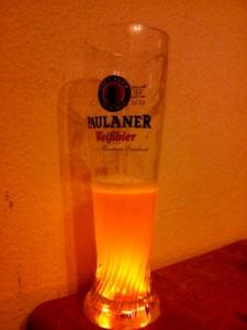 Bierglas Paulaner, Lichteffekt
