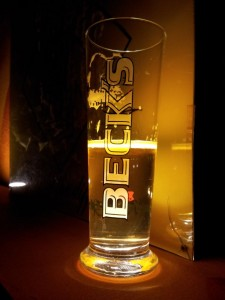 Bierglas Becks, Sahm, erleuchtet